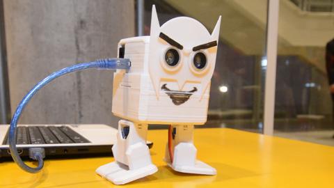 Robot realizado por CECAP