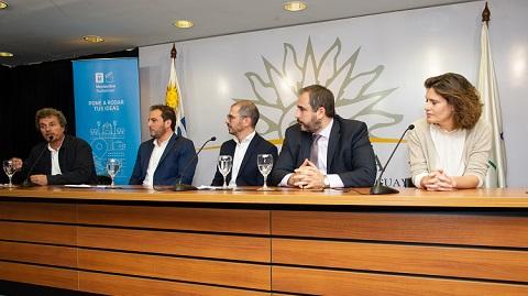 autoridades en conferencia en presidencia