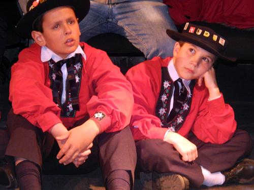 Niños del grupo de danza
