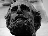Foto primer plano de la estatua de Varela