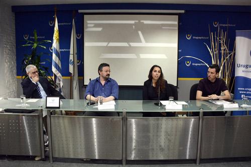 Mesa de Autoridades en conferencia de prensa Ministerio de Turismo